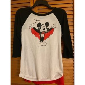 Disney Mickey Halloween Vampire T Shirt With Cape